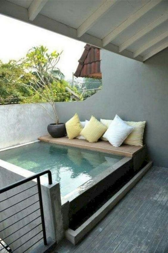 Above Ground Swimming Pool: Simple Plunge Pool