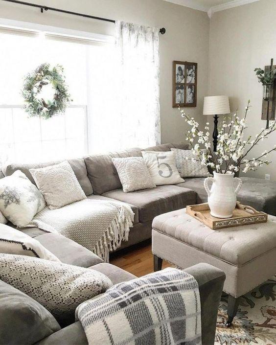 Farmhouse Living Room: Warm Neutral Decor