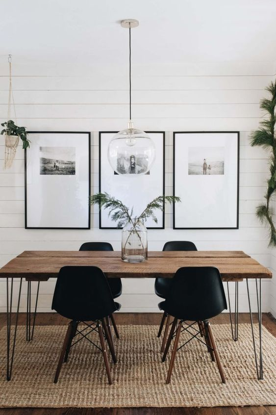 Small Dining Room: Bold Earthy Decor