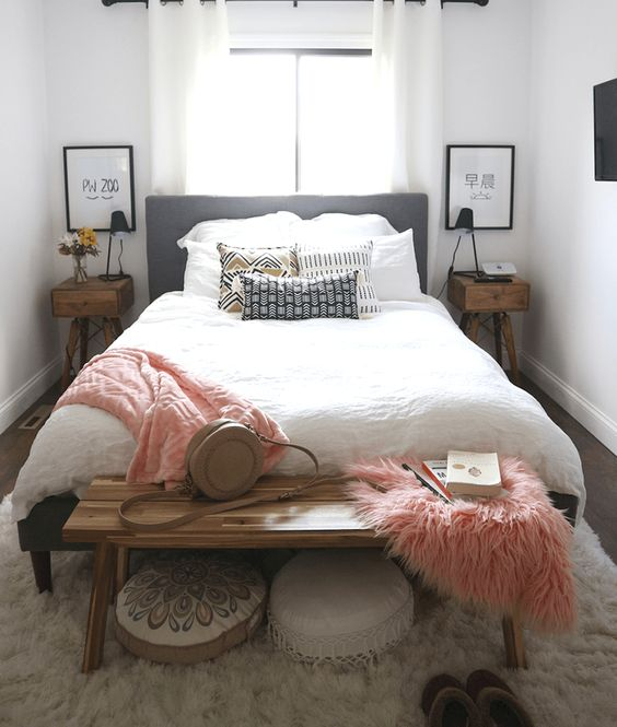 Small Master Bedroom: Chic Earthy Decor