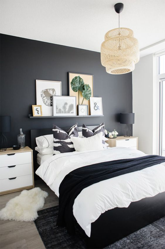 Small Master Bedroom: Catchy Monochrome Decor