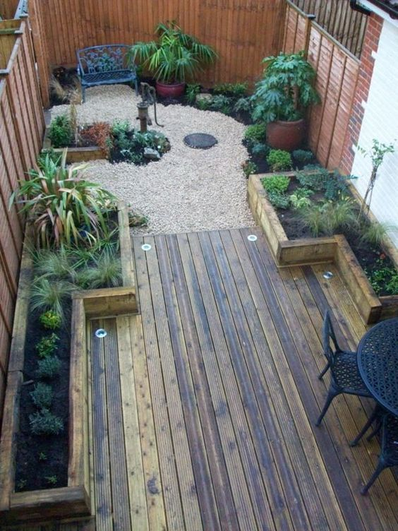 Backyard Deck Ideas: Cozy Earthy Design