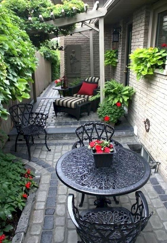 Backyard Seating Ideas 15