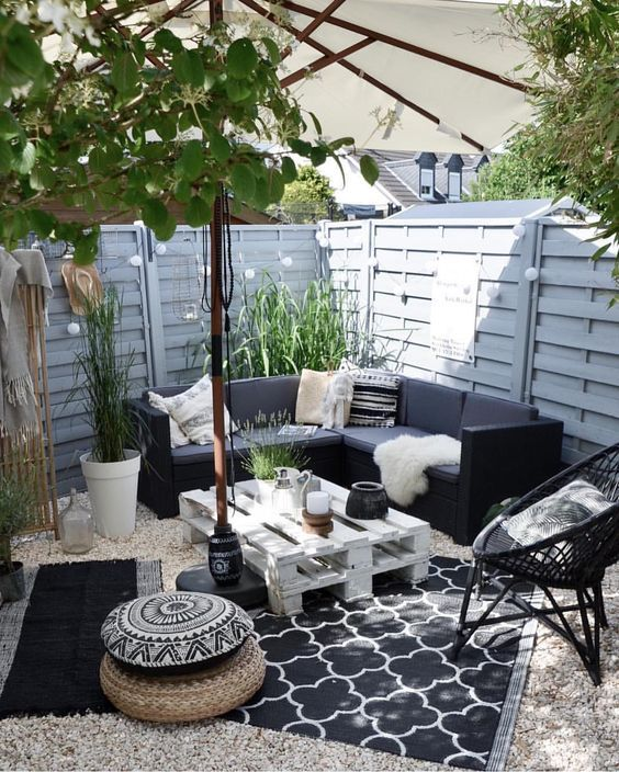 Backyard Seating Ideas 16