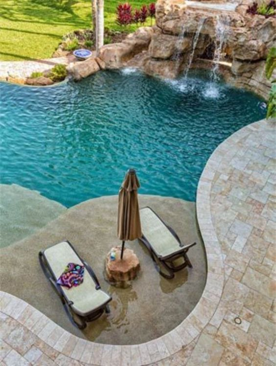 Beach Entry Swimming Pool: Chic Cozy Design