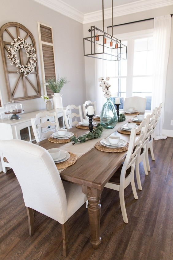 Farmhouse Dining Room: Brightly Chic Decor
