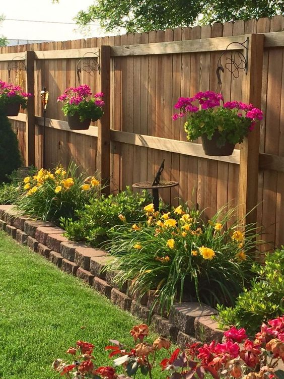 Fence Landscaping Ideas: Earthy Colorful Decor