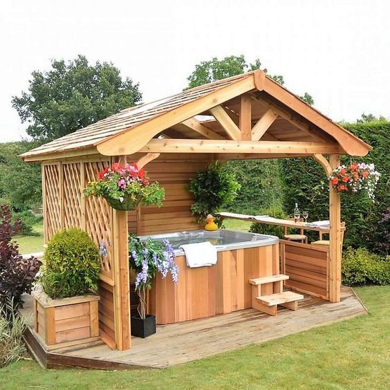 Hot Tub Enclosure Winter: Gorgeous Wood Design