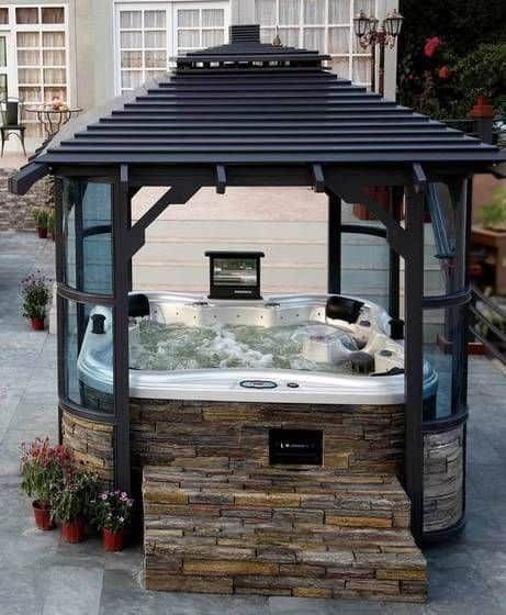 Hot Tub Enclosure Winter 13