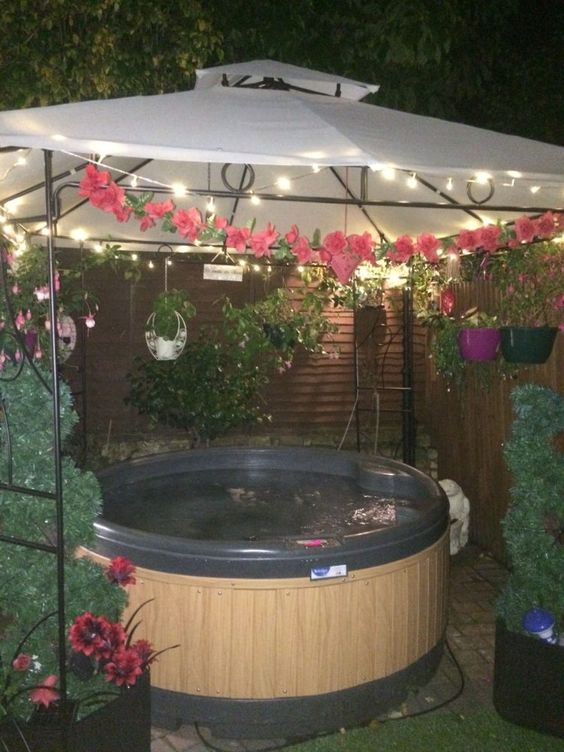Hot Tub Enclosure Winter 14