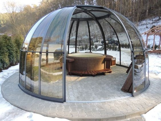 Hot Tub Enclosure Winter: Glass Dome Design