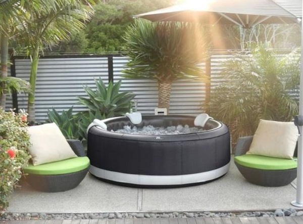 Hot Tub Patio feature
