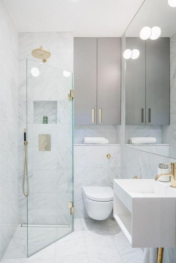 Minimalist Bathroom Ideas: Stunning All-White Decor