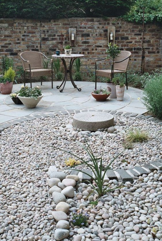 Modern Backyard Ideas 11