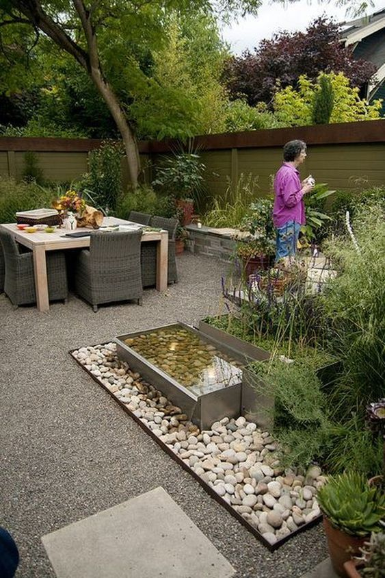 Modern Backyard Ideas: Simple Modern Design