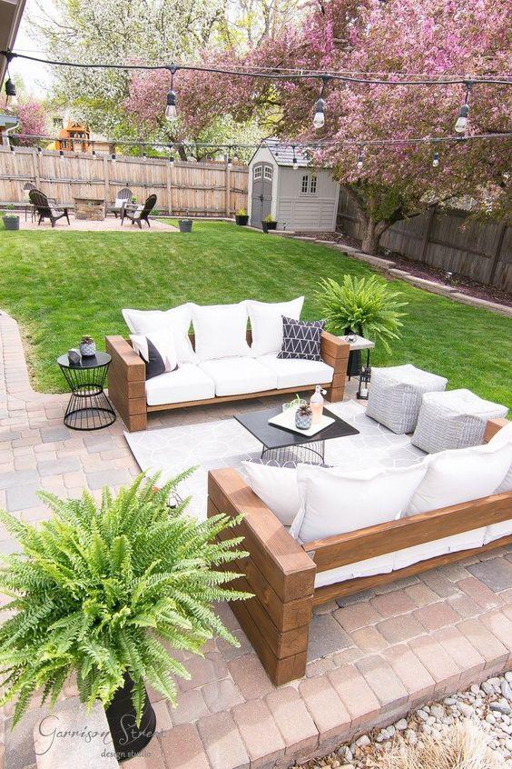 Modern Backyard Ideas: Beautiful Earthy Decor