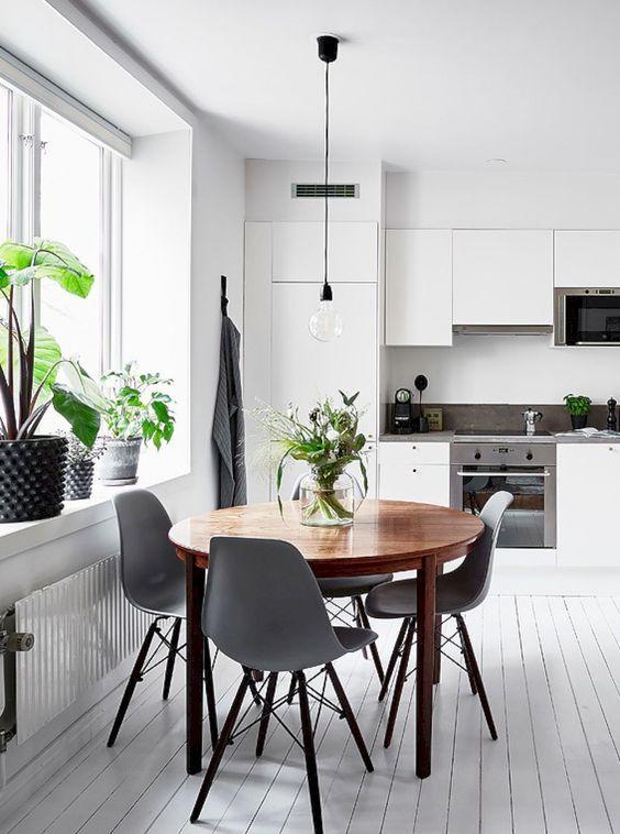Modern Dining Room 13