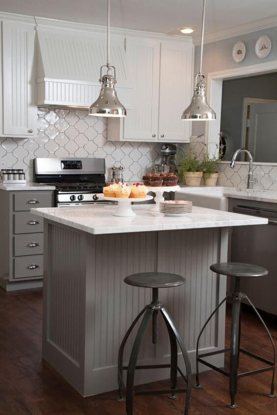 Small Kitchen Island: Modern Farmhouse Design