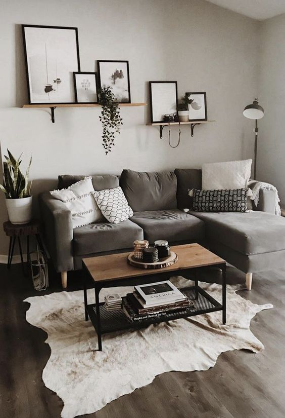 Small Living Room: Earthy Neutral Decor