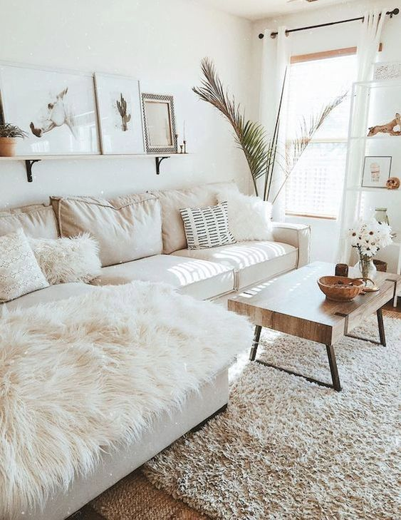 Small Living Room: Chic Boho Decor