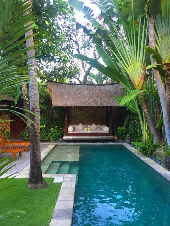 Swimming Pool Landscaping: Amazing Tropical Decor