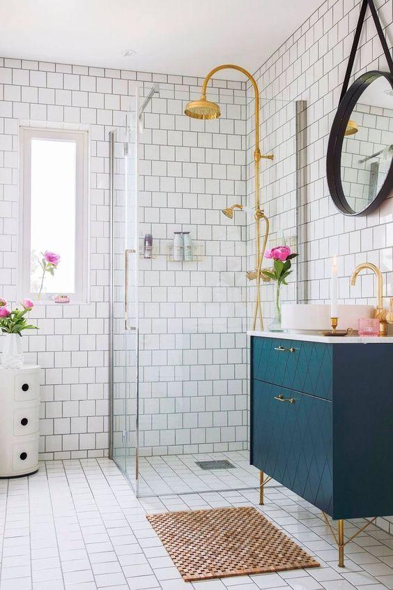 White Bathroom Ideas: Chic Colorful Decor