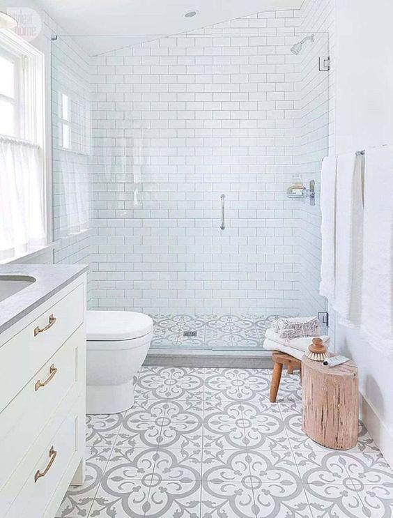 White Bathroom Ideas: Enchanting Neutral Decor
