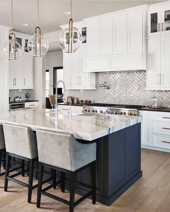 White Kitchen Ideas: Elegant Neutral Decor