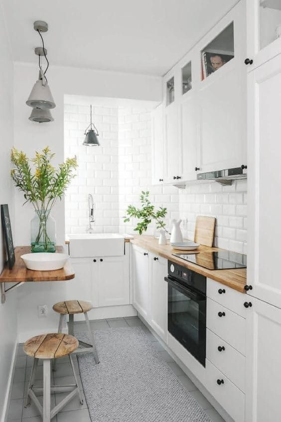 White Kitchen Ideas: Chic Earthy Decor