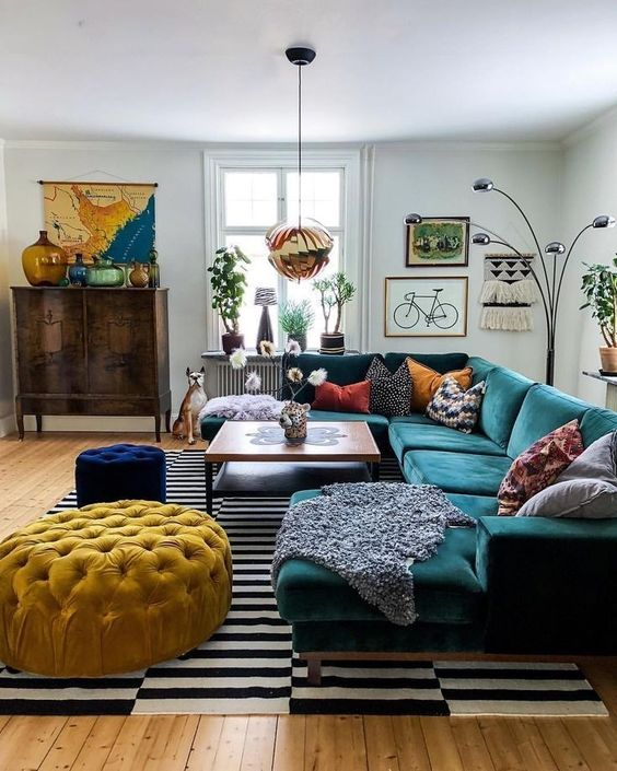 Eclectic Living Room: Catchy Rustic Decor