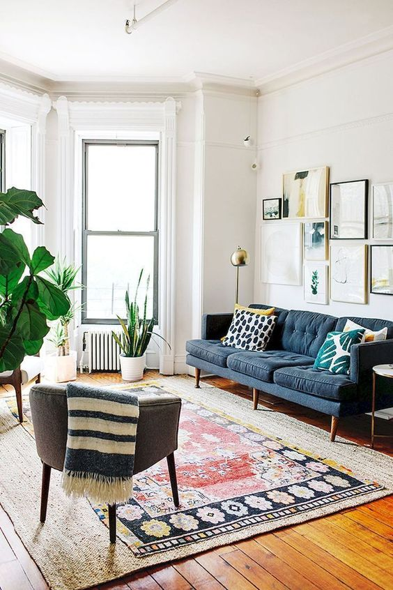 Eclectic Living Room: Elegant Catchy Decor