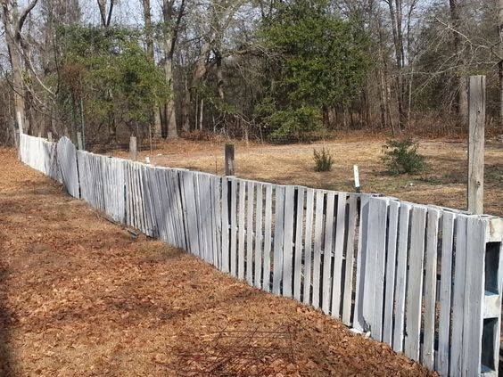 pallet fence ideas 11