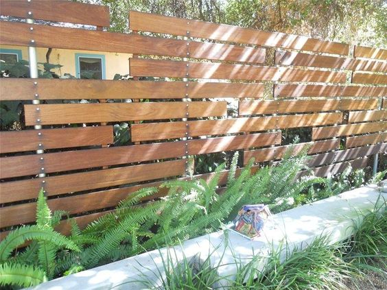 pallet fence ideas 12