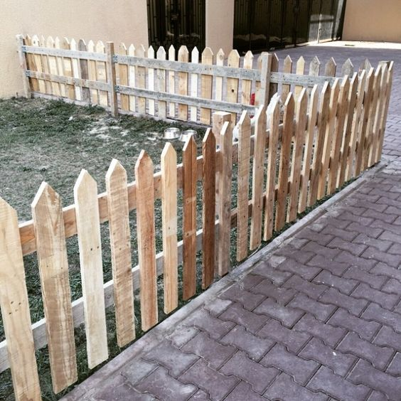 pallet fence ideas 17