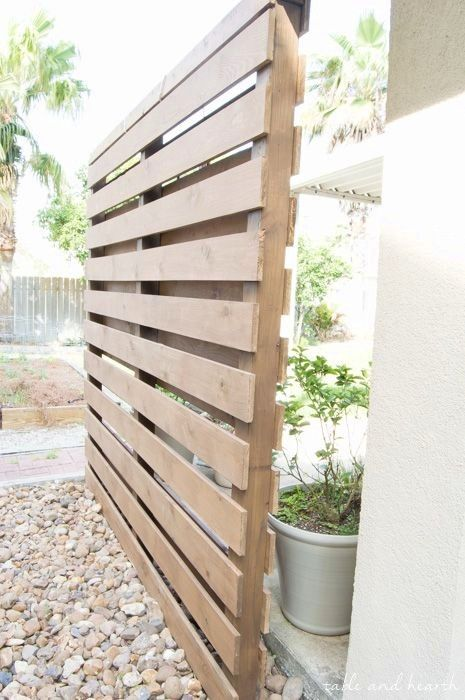 pallet fence ideas 19