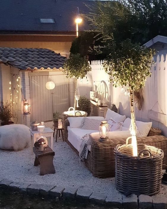 Small Backyard Ideas: Gorgeous Chic Patio