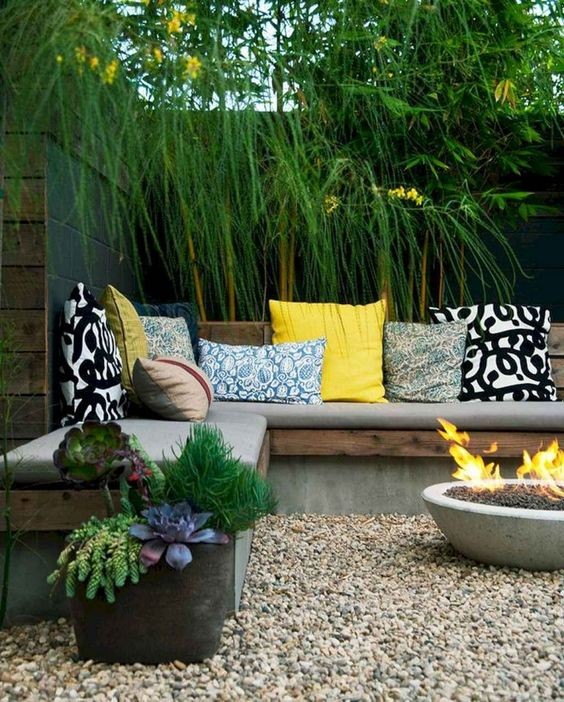 Small Backyard Ideas: Earthy Cozy Patio