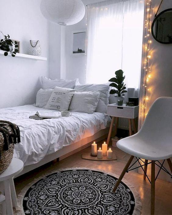 Small Bedroom Ideas: Catchy Bright Decor