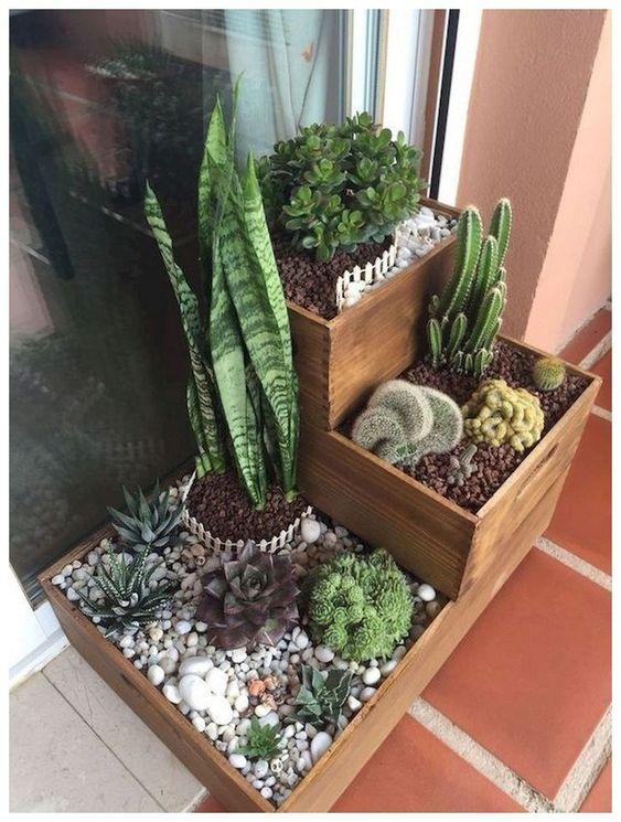 Backyard Decor Ideas: Elegant Earthy Planter