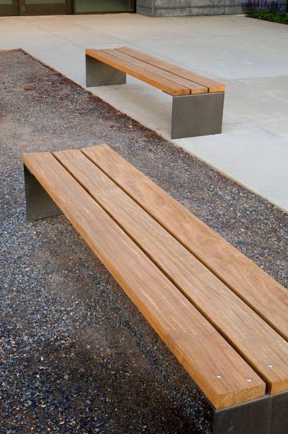 Backyard Decor Ideas: Simple Cozy Bench