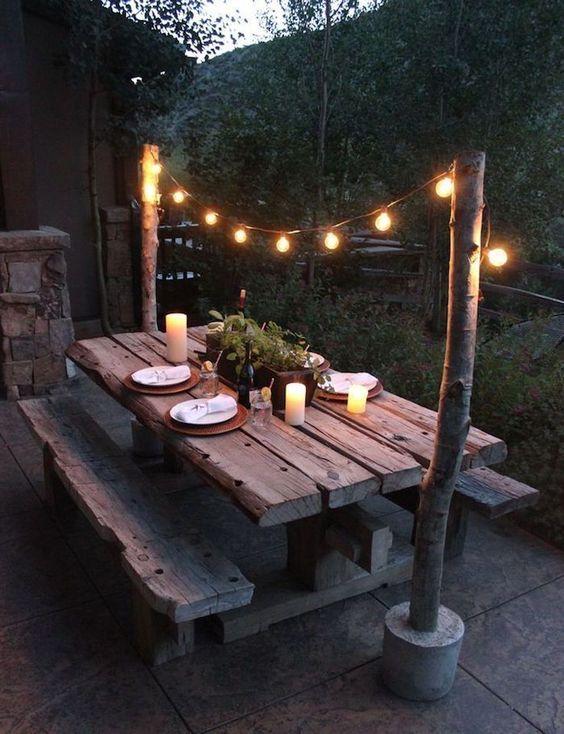Backyard Decor Ideas: Unique Log Dining