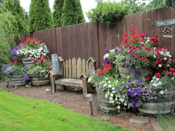 Backyard Decor Ideas feature