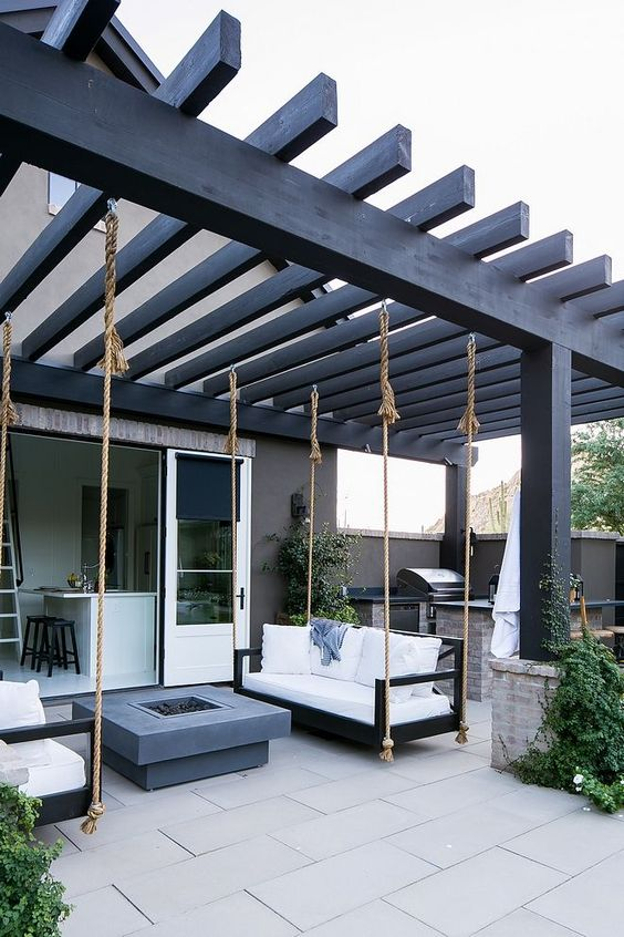 Backyard Pergola Ideas: Elegant Modern Design