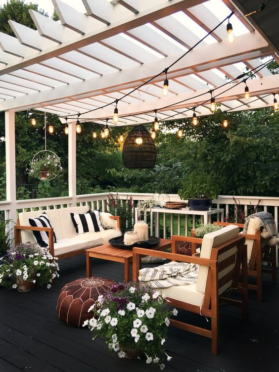 Backyard Pergola Ideas: Elegant Stylish Design