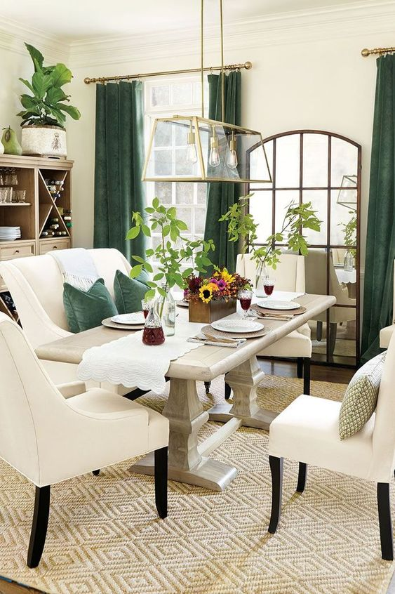 Green Dining Room Ideas: Elegant Vintage Decor