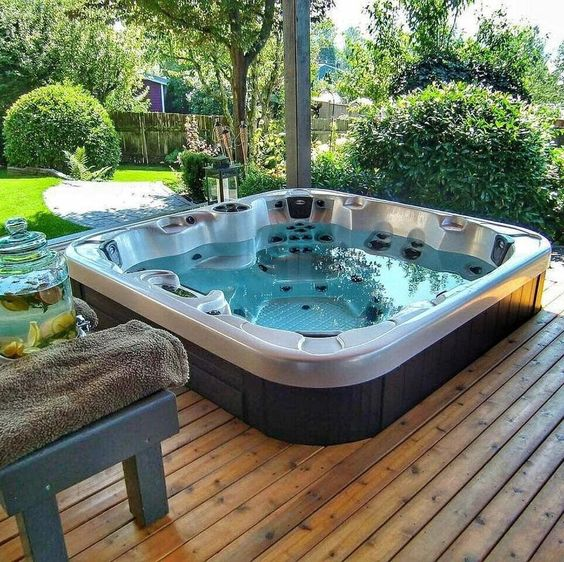 Hot Tub Deck: Simple Cozy Design