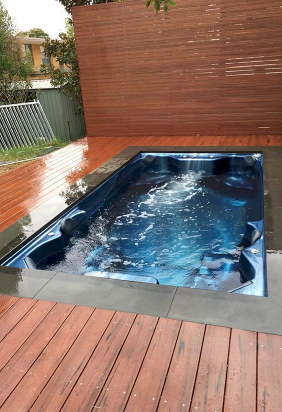 Hot Tub Deck 18