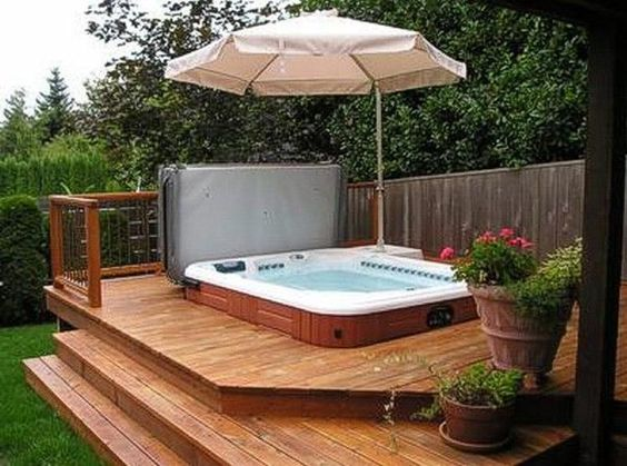 Hot Tub Deck: Cozy Modern Design