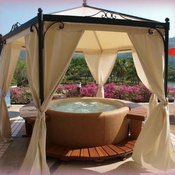 Hot Tub Landscaping: Gorgeous Cozy Decor