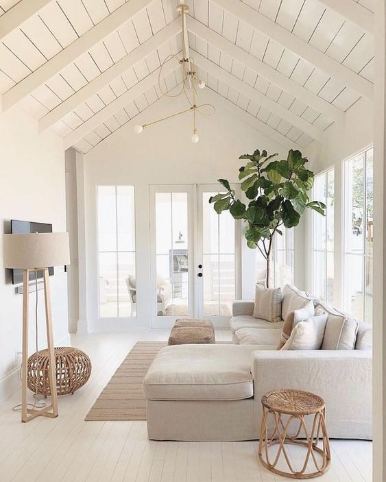 Living Room Colors Ideas: Gorgeous All-White Decor